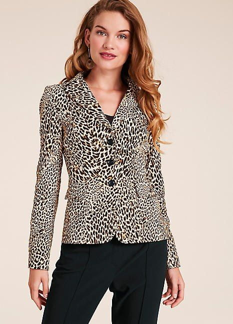 Fitted Jacket Combined with Cheetah Print Blouse